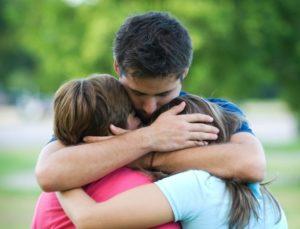 Abraços e beijos curam