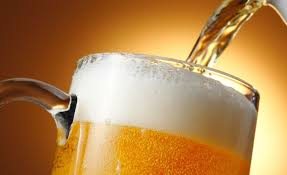 Dois copos de cerveja são melhores que parecetamol para o alivio da dor