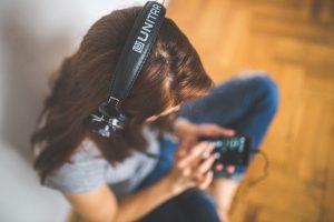Cresce a perda auditiva em jovens!