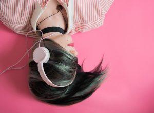 Fones de ouvido utilizados incorretamente podem causar doenças!