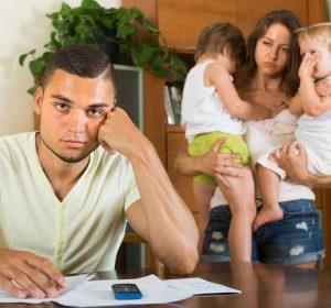 Foram relacionados à piora da saúde mental em crianças os conflitos domésticos, histórico de doenças mentais na família