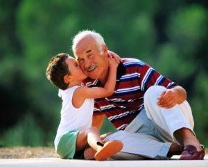 Convivio entre avós e netos faz bem